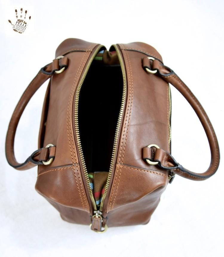sac main pour femme en cuir au tannage v g tal laura brun. Black Bedroom Furniture Sets. Home Design Ideas